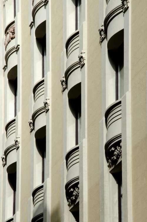 Facade building pattern