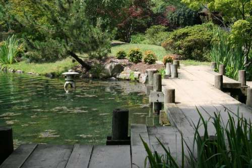#walkingtodiscovernewthings Japanese garden Maymont pond garden