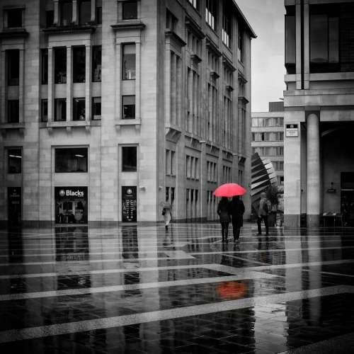 london street paternoster red rain