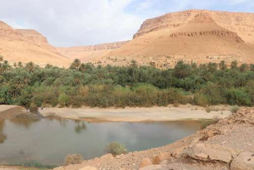 Mesa lake plateau desert