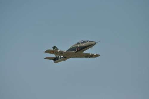 Air show airplane jet