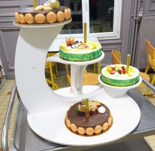 cakes stand lemon chocolate birthday