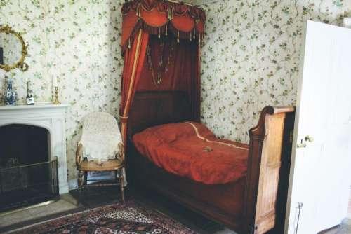 bed bedroom Lacock Abbey