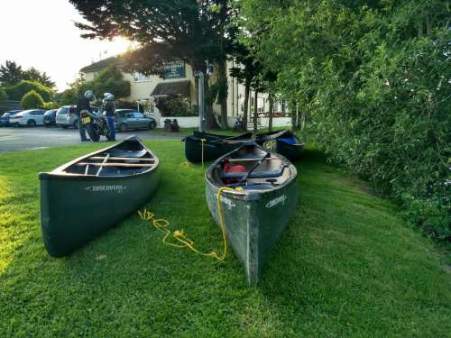 canoes canoe trip bablock hythe ferryman river thames/motor bike