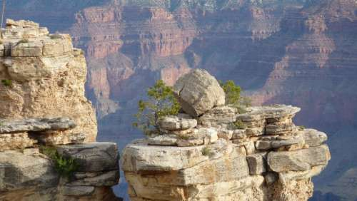Grand Canyon boulders rocks formations tourism