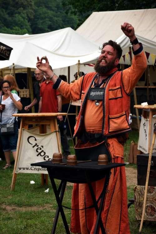 Kalibo.wizzard magician medieval market medieval event actor