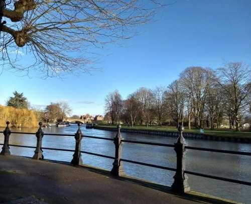 Abingdon on Thames Bitter cold sunny thames river