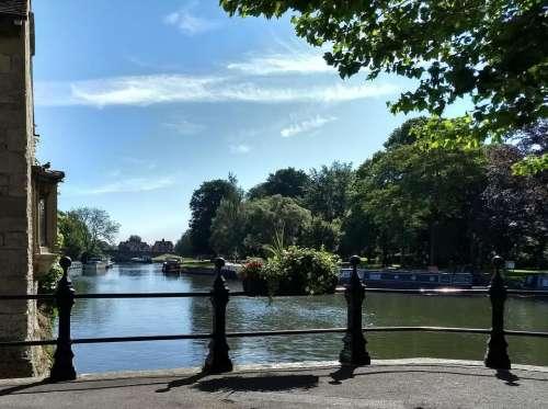 abingdon river front sunny thames river