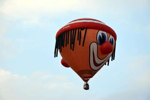 Hot air balloonpreparationinflationstartskyFox HuntHuntCompetitionQuestTask