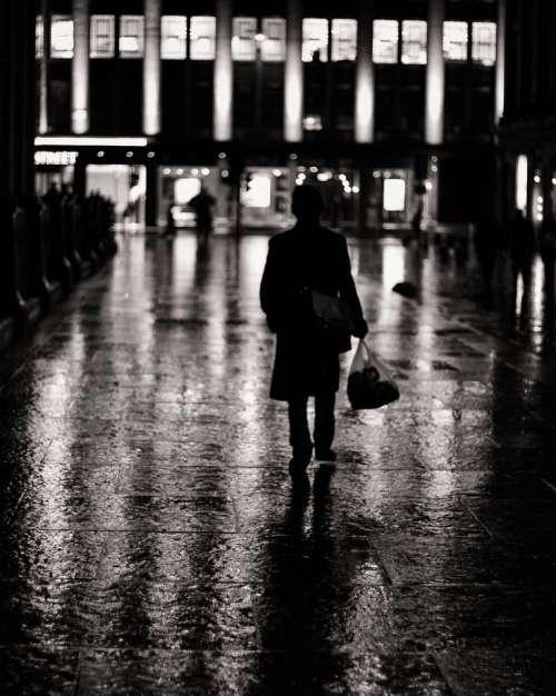 glasgow scotland dark night people