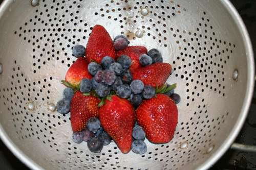#tastyberries berries strawberries blueberries mixed berries