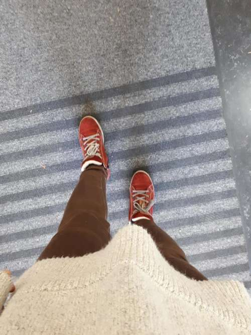 feet airport travel