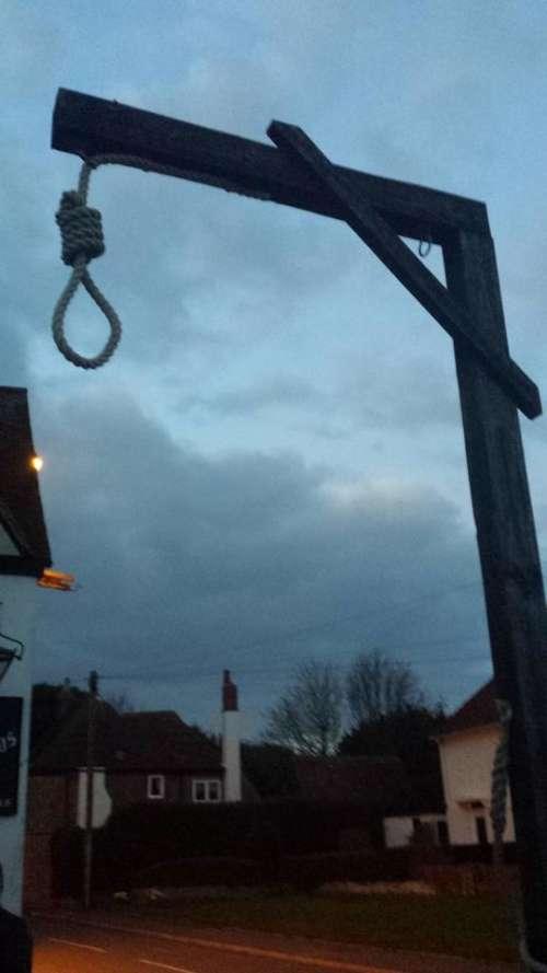 gibbet hangman's noose  hanging punishment