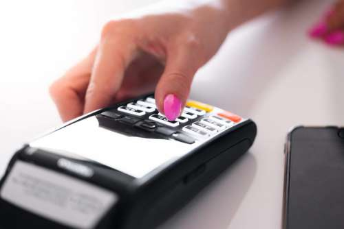 Store Manager Using Credit Card Reader