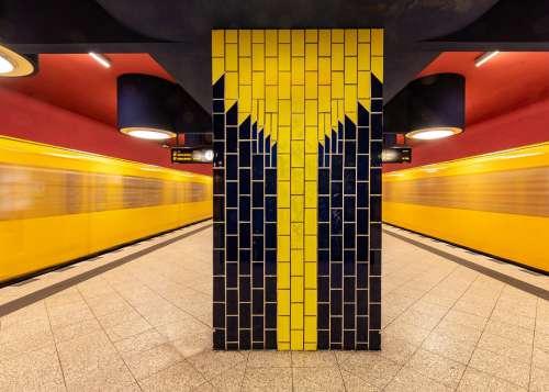 Berlin Metro Jakob-Kaiser-Platz Ubahn Train