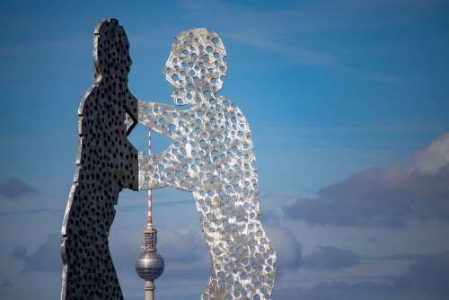Berlin Molecule Men Spree Treptow Sculpture