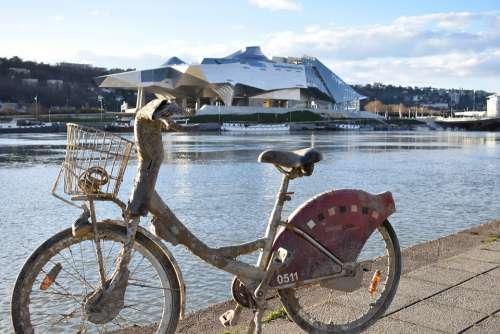 Bikes Rhone Confluence Lyon