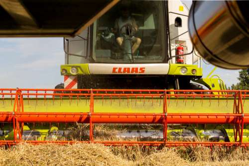 Combine Harvester Harvest Cereals