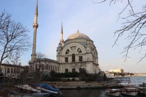 Istanbul Throat Dolmabahçe Boat V Ship Cami