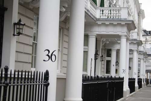 London Numbers Columns White Black England Street