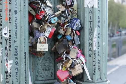 Padlocks Bridge Love Padlock Romantica Promise