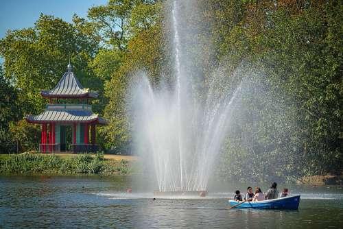 Park Lake Fountain Pavilion Boat London England