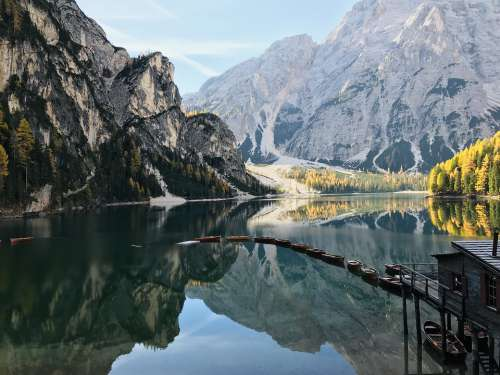 Pragser Wildsee Lake Mountains South Tyrol Bergsee