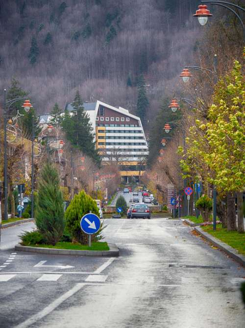 Sinaia Romania Street Mountains Hotel Cars Autumn