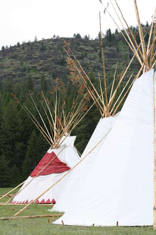 Tipi Mountains Powwow