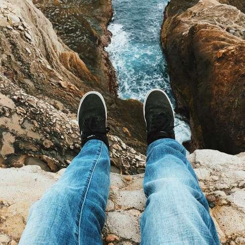 Vans Pov Ocean Coast Rocks Cliffs Water Travel