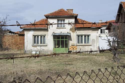 Village House Bulgaria Keep Out Barbed Wire Winter