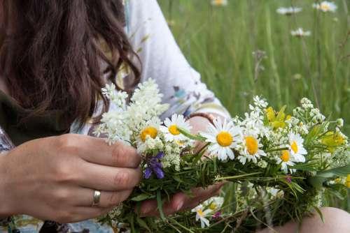 Wreath Meadow Girl Field Grass Summer Hands