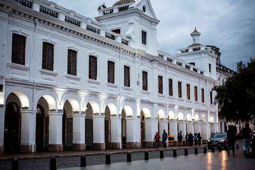 Basin Architecture Ecuador City