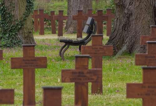 Cemetery Honorary Cemetery World War Crosses Bank
