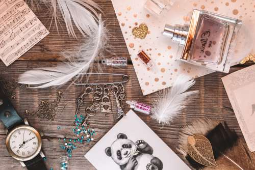 Flatlay Blog Blogger Design Style Items Feathers