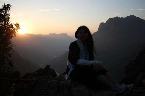 Sunrise at Ma Pi Leng
