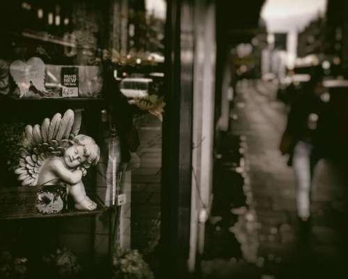 edinburgh darkedinburgh scotland street shop