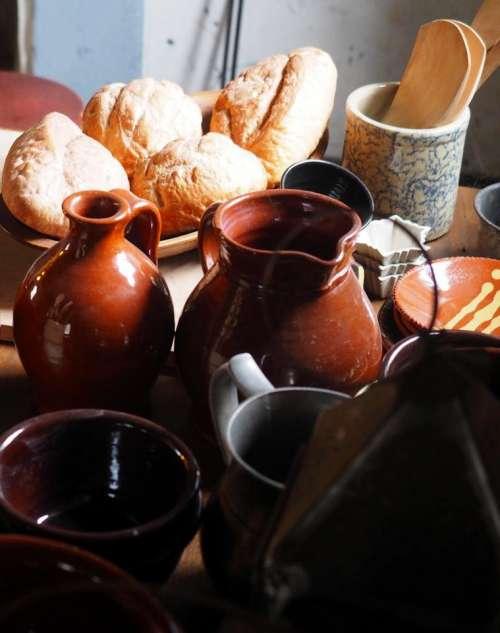 Pennsylvania Fort Washington PA historic site table pottery