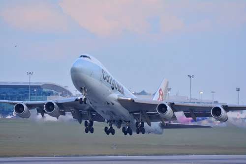Aircraft Airport Flight Boeing 747 Sky Air
