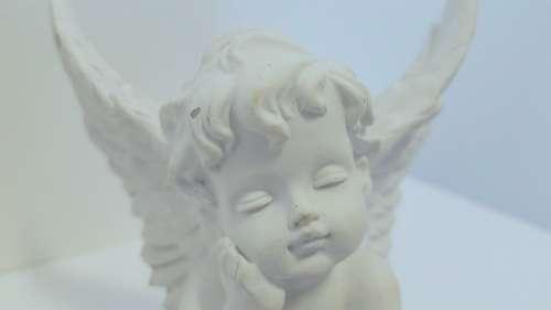 Angel Cherub Statue White Face Expression