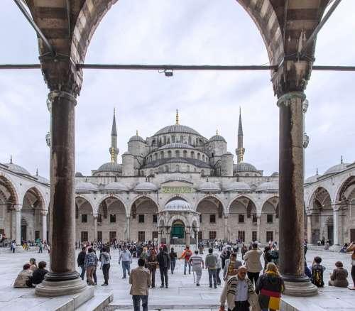 Aya Sofia Istanbul People Square Temple Panorama