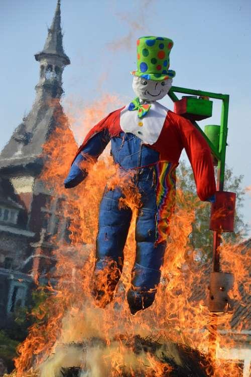 Carnival Mr Figurine Silhouette Man Hangman