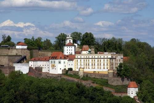 Castle Veste Historically Places Of Interest Passau
