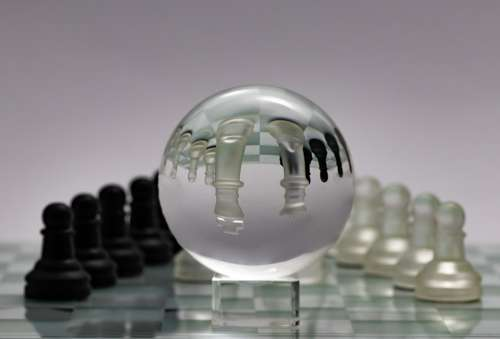 Chess Glass Ball Bauer King Lady Chess Board