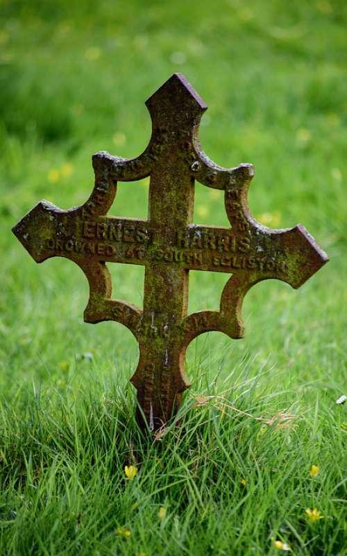Cross Memorial Grave Graveyard Cemetery Gravestone