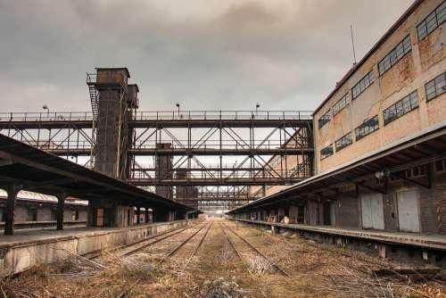 Debris Train Building The Disintegration Of The