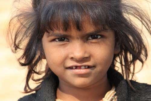 Poor Girl Happy Girl Poverty India Cute Happiness