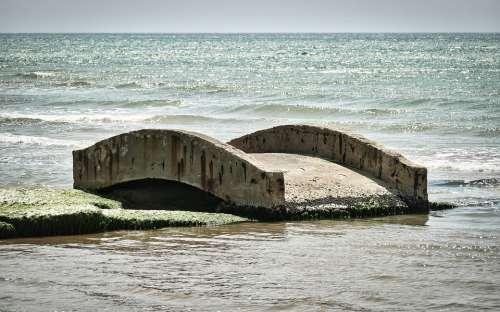 Ruin Bridge Sea Isolation Unfinished Bauruine