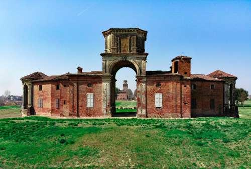 The Castle Of Chignolo Po The Castle Procaccini Fart