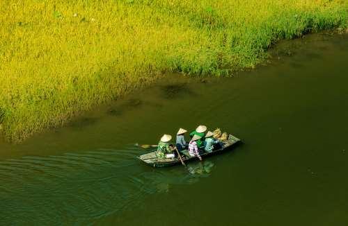Travel Boat People Water Lake